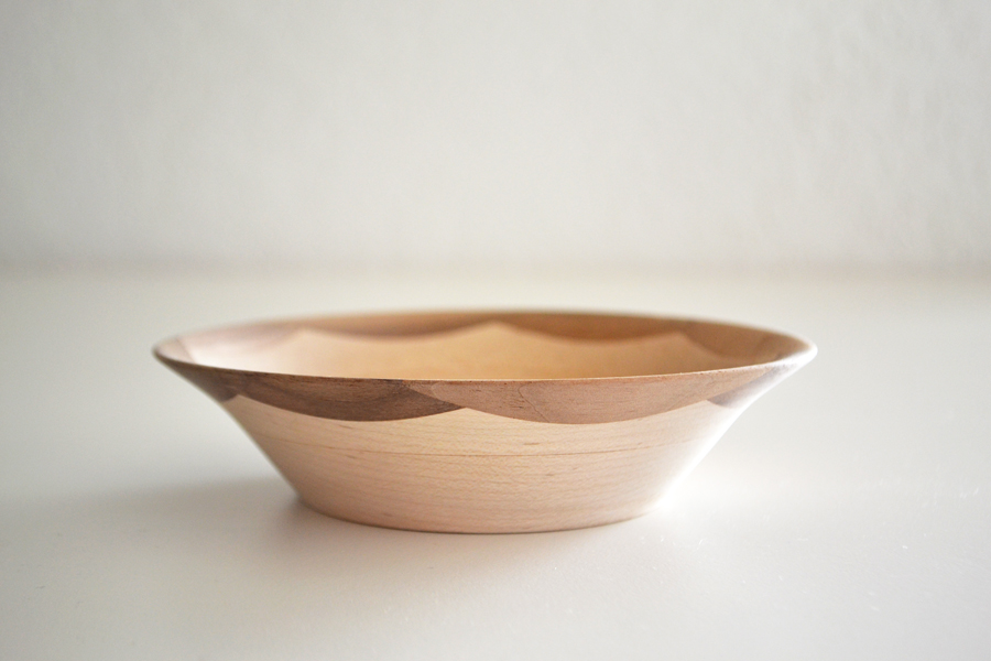 ScallopedEdgeBowl_Walnut1